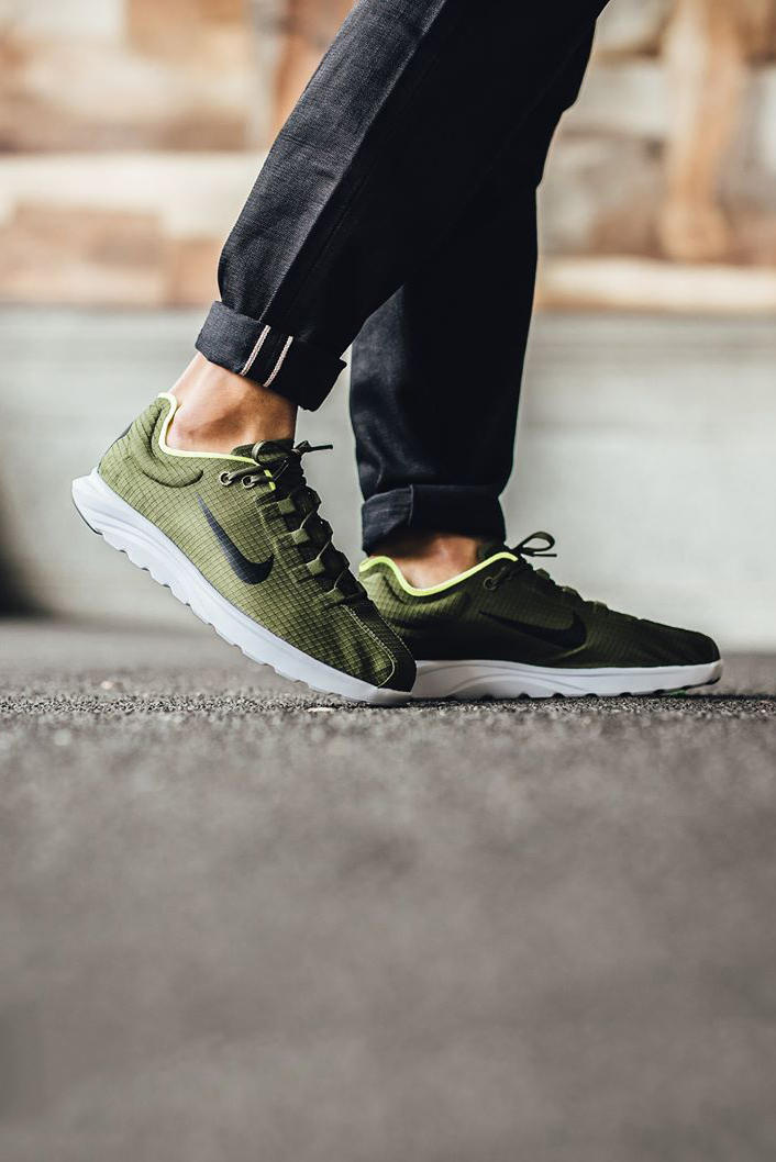Nike Mayfly Lite SE Legion Green