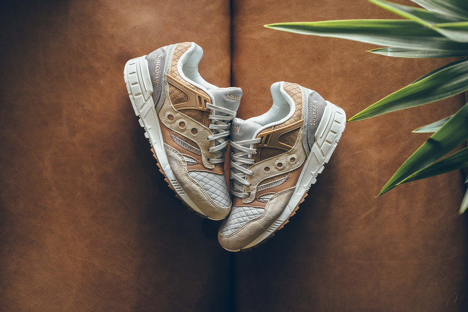 Saucony Grid SD Quilted in Tan \u0026 Grey
