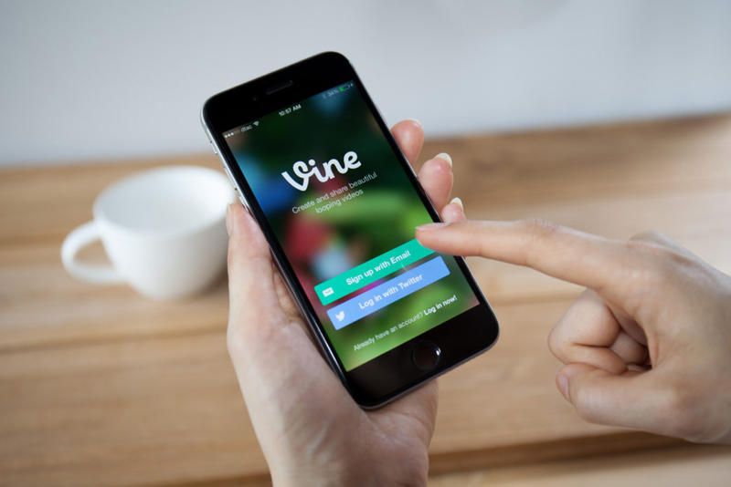 Vine Transitions from Social Network to Camera App January 17