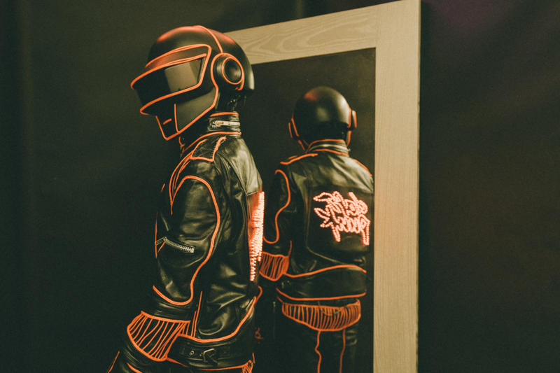 A Look Inside the First Pop Up Ever From Daft Punk