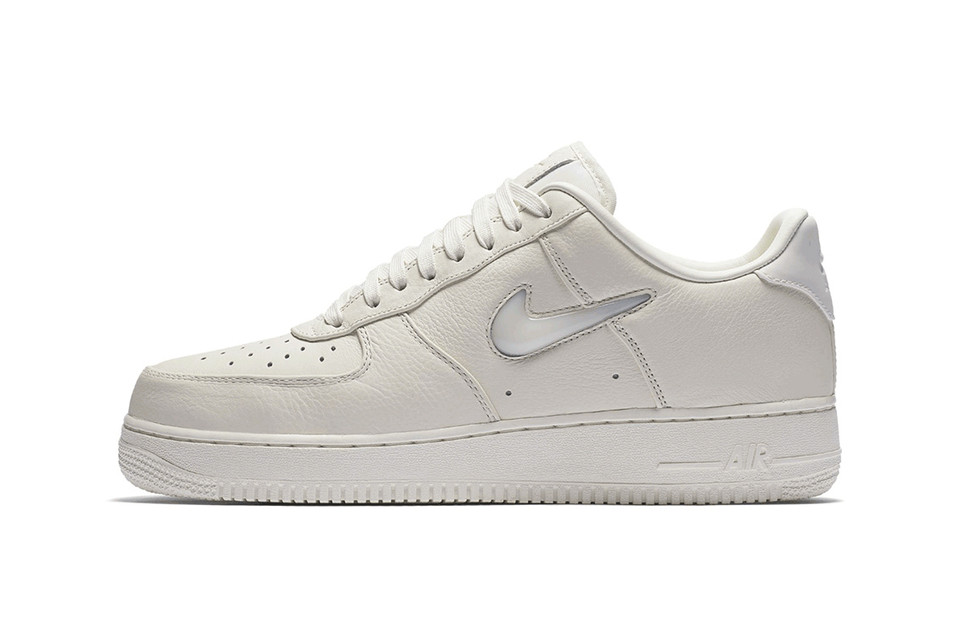 check out 7cc5c 6093d The Nike Air Force 1