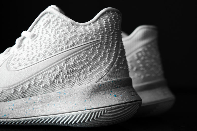 Nike Kyrie 3 Light Bone