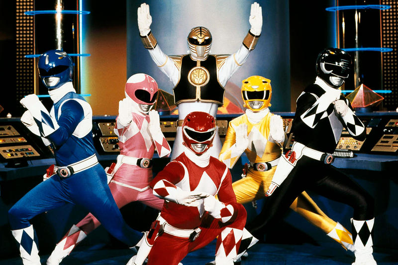 Power Rangers Team With White Ranger