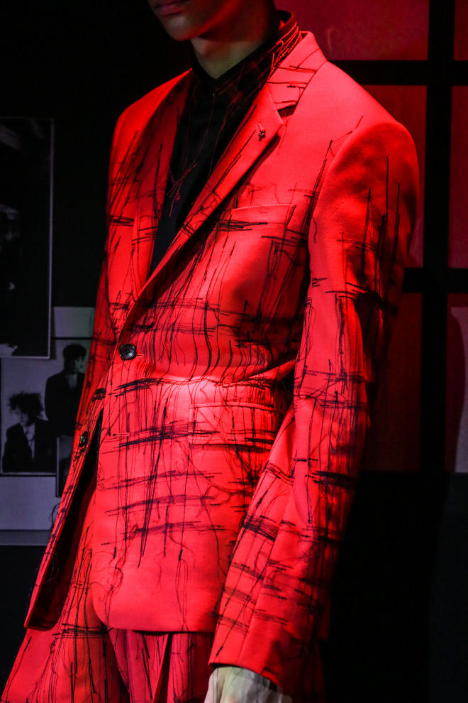 Dior Homme Pre-Fall 2017 Collection Ginza Six Black Red White