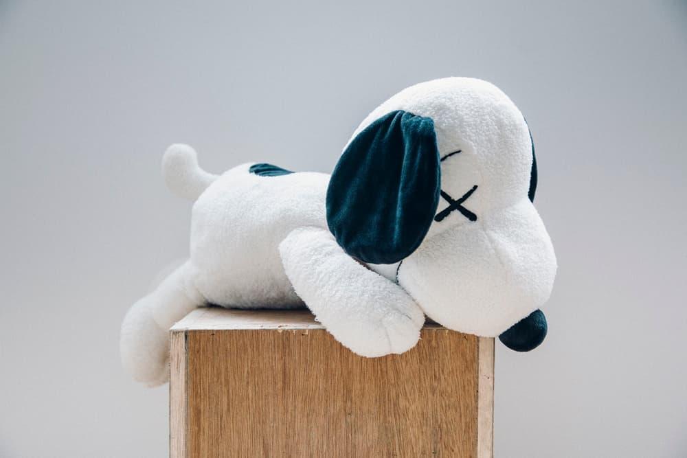 KAWS  'Peanuts' Uniqlo UT Collection Snoopy Woodstock