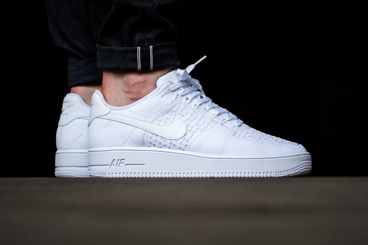 newest 31947 ff44b Nike Whites Out The Air Force 1 Ultra Flyknit Low