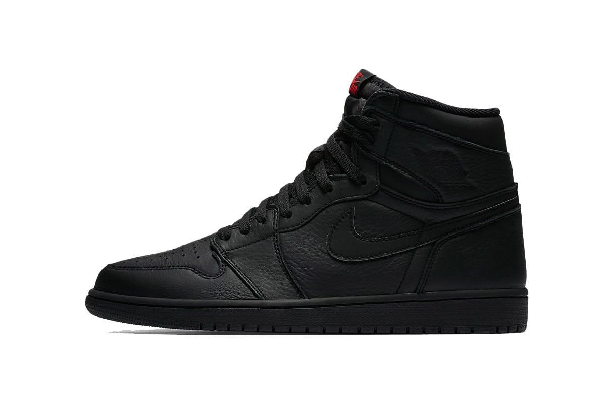 Air Jordan 1 Retro High OG Triple Black