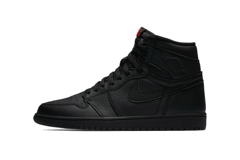 20d24012302 Air Jordan 1 Retro High OG Triple Black | HYPEBEAST