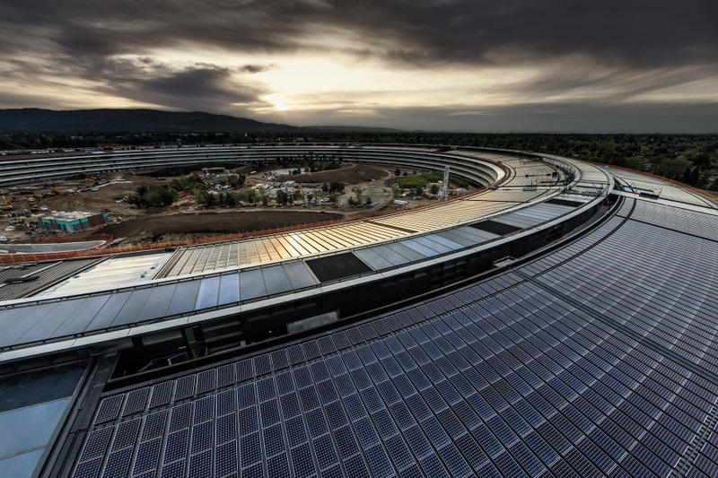 apple campus park headquarters office tim cook jony ive Norman foster cupertino california silicon valley wired magazine interview steve jobs hq images pictures interior