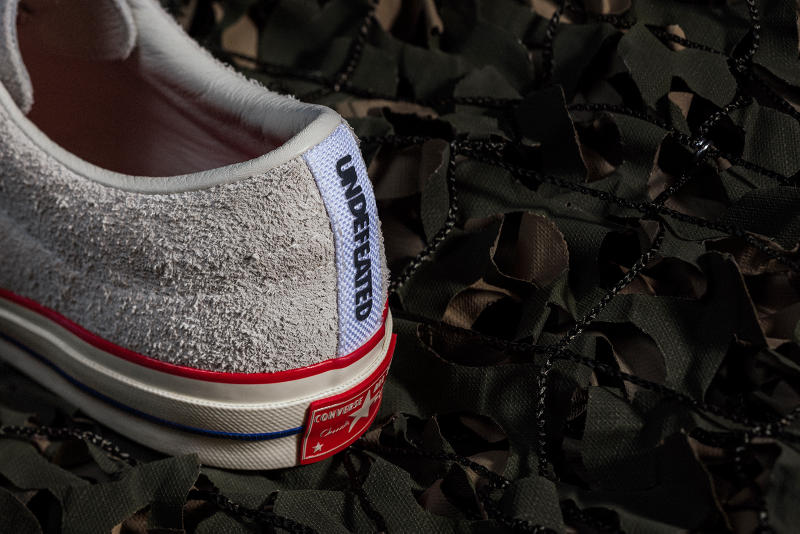 UNDEFEATED x Converse One Star grey close up heel