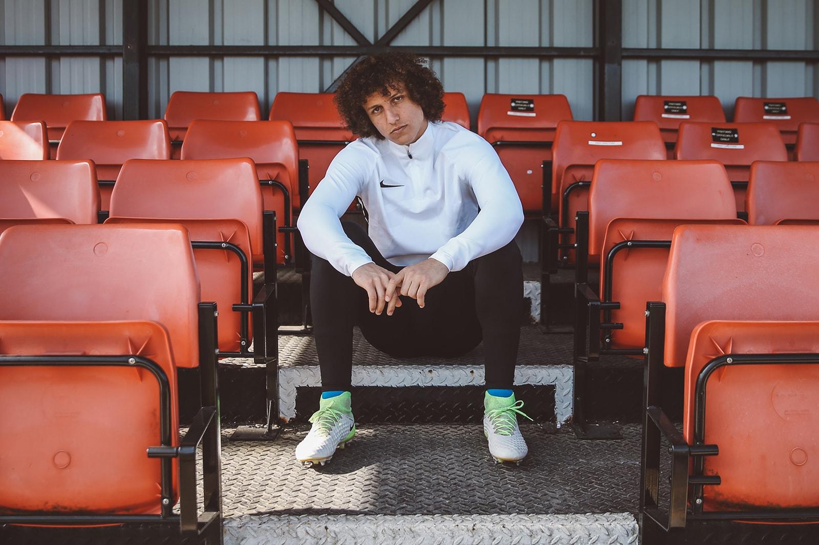 watch c63d2 10676 David Luiz Chelsea Interview nike magista obra ii football soccer premier  league paris saint german