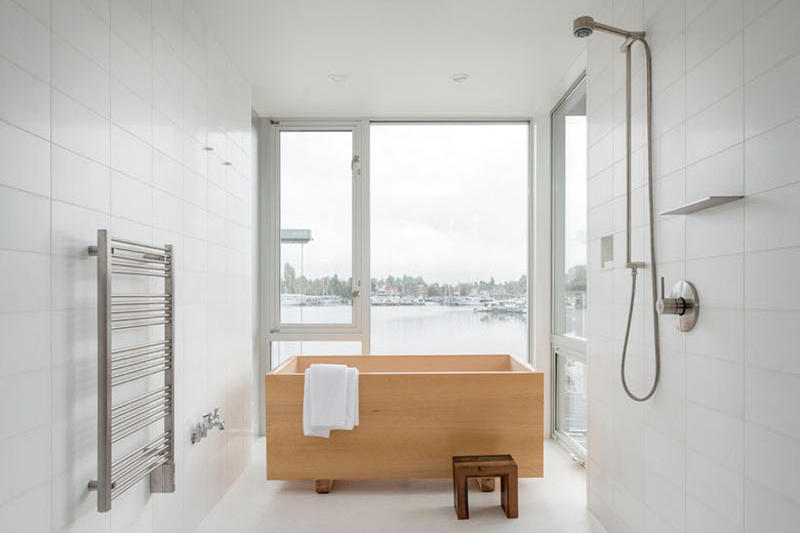 Heliotrope Seattle Waterfront Bachelor Pad