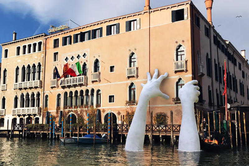 Lorenzo Quinn Support Venice Biennale 2017