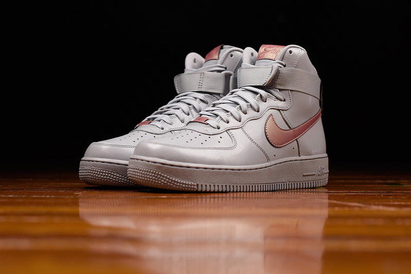 cheap for discount a8030 5f7d2 Nike Air Force 1