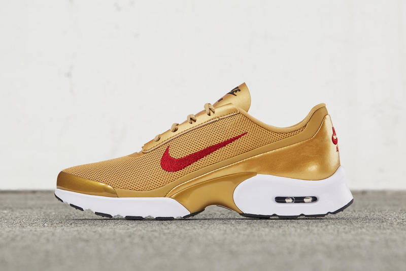 nike air max jewell gold women's sneaker