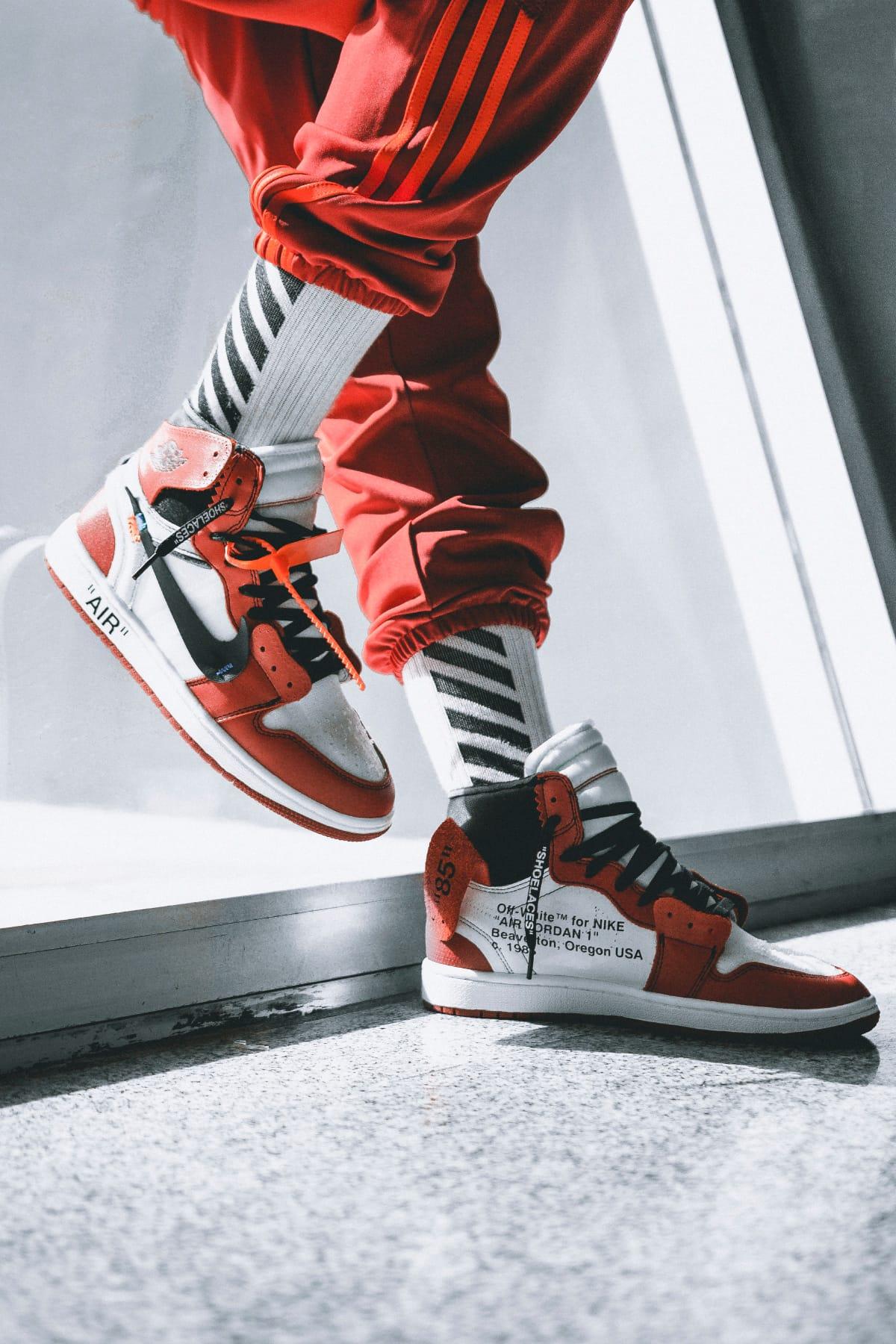 OFF,WHITE x Air Jordan 1 On,Feet Images