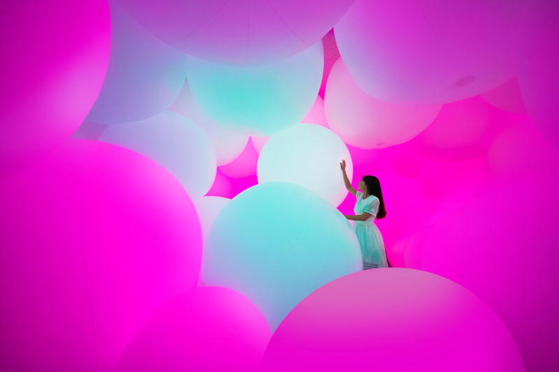 teamLab Homogenizing and Transforming World Exhibit Singapore Art
