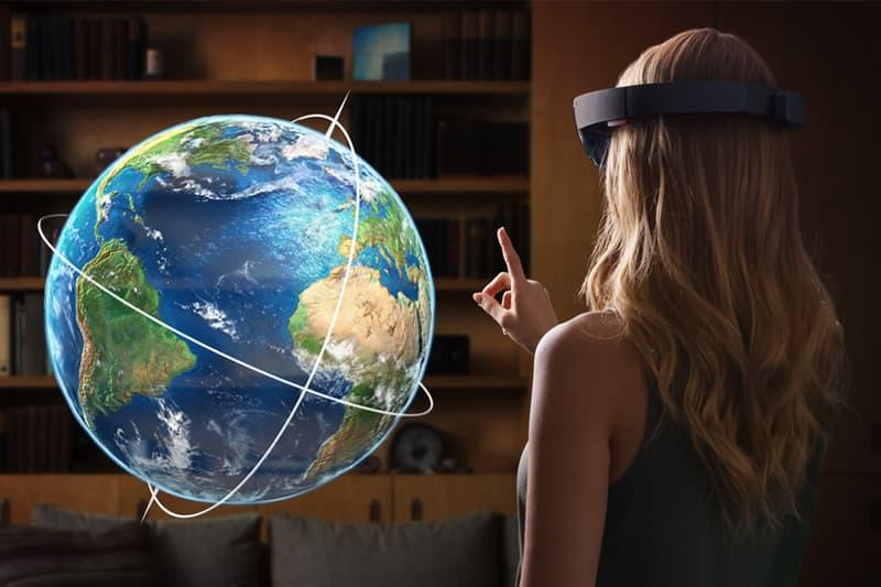 Microsoft HoloLens Delay