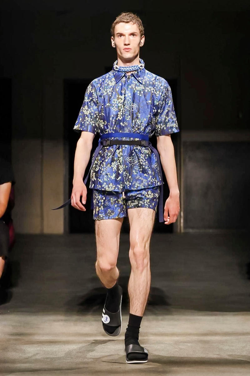 22/4_Hommes 2018 Spring/Summer Collection Paris Fashion Week Men's Runway Show