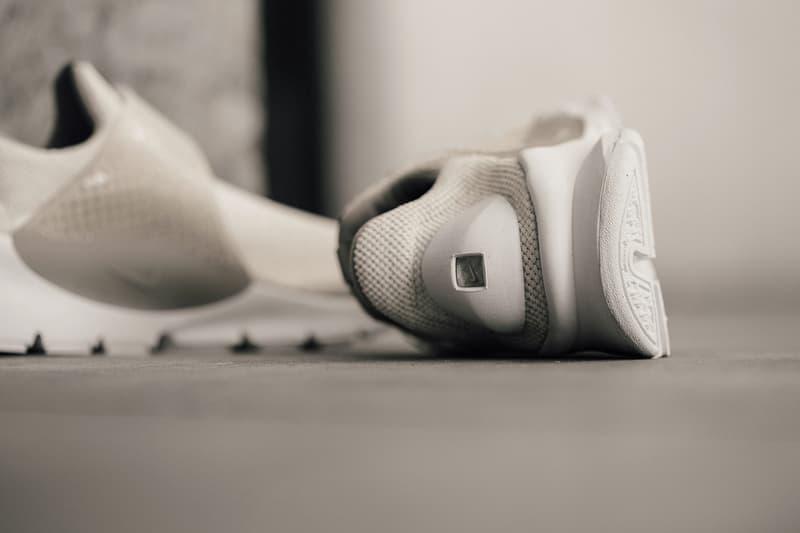 Nike Sock Dart SE Sail Cobblestone