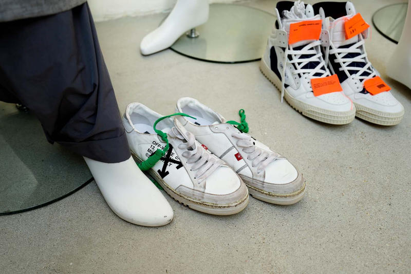 Off-White 2018 Spring/Summer At EM PTY Gallery