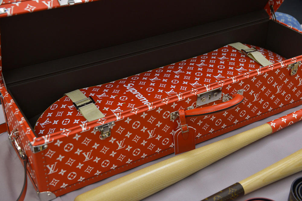 Supreme Louis Vuitton Monogram Phone Cse