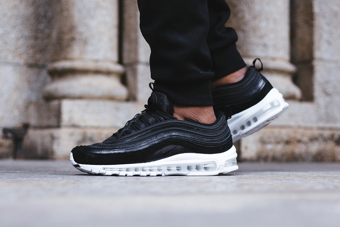 Independiente Escalofriante grieta  Nike Air Max 97 Navy, Black, & Grey On Feet Look | HYPEBEAST