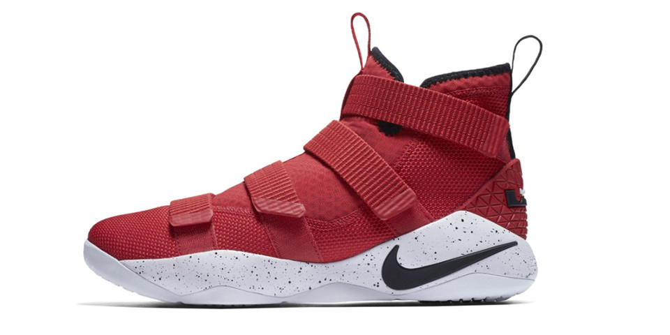 newest 43cb4 25d14 Nike LeBron Zoom Soldier 11