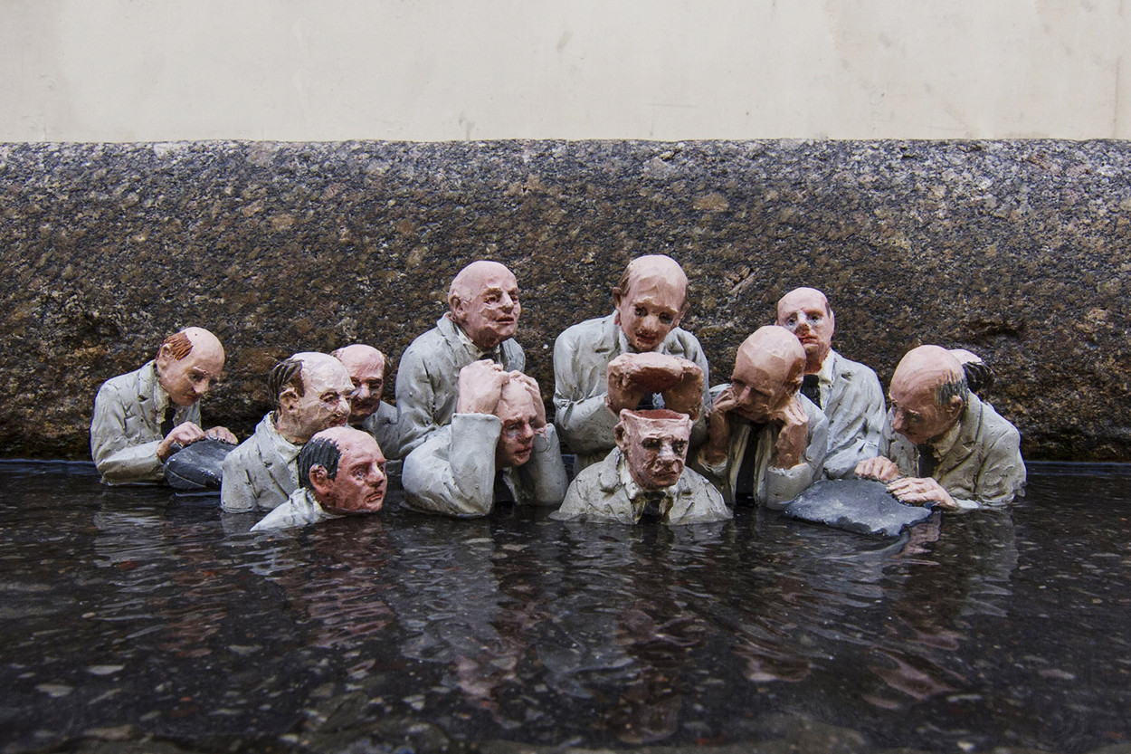 Isaac Cordal Miniature Sculptures Paper Camera Sculptures Pulp Fiction Bedsheets Artwork Art Unconventional