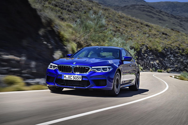 BMW 2018 M5 Debut F90 Generation car auto automotive automobile blue pictures specs specifications awd all wheel drive
