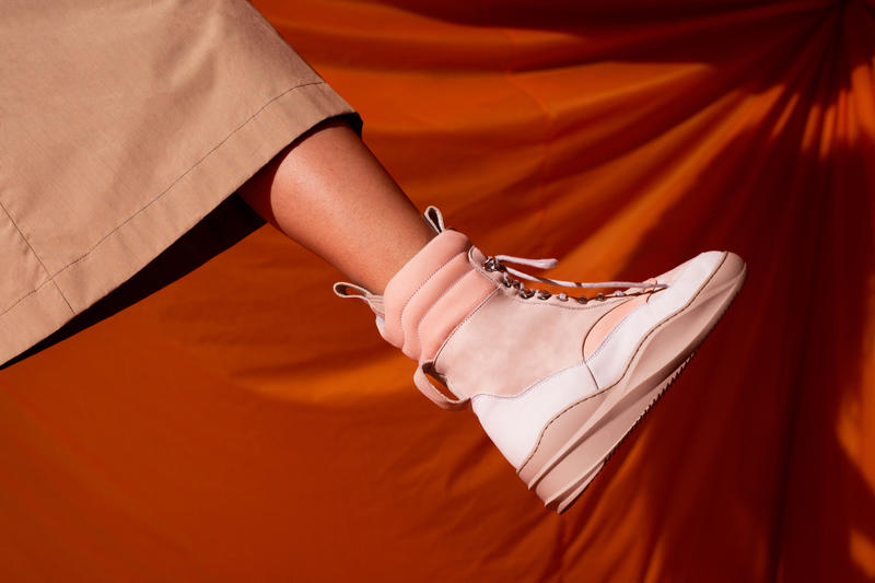 Filling Pieces 2017 Fall/Winter Collection Move without barriers