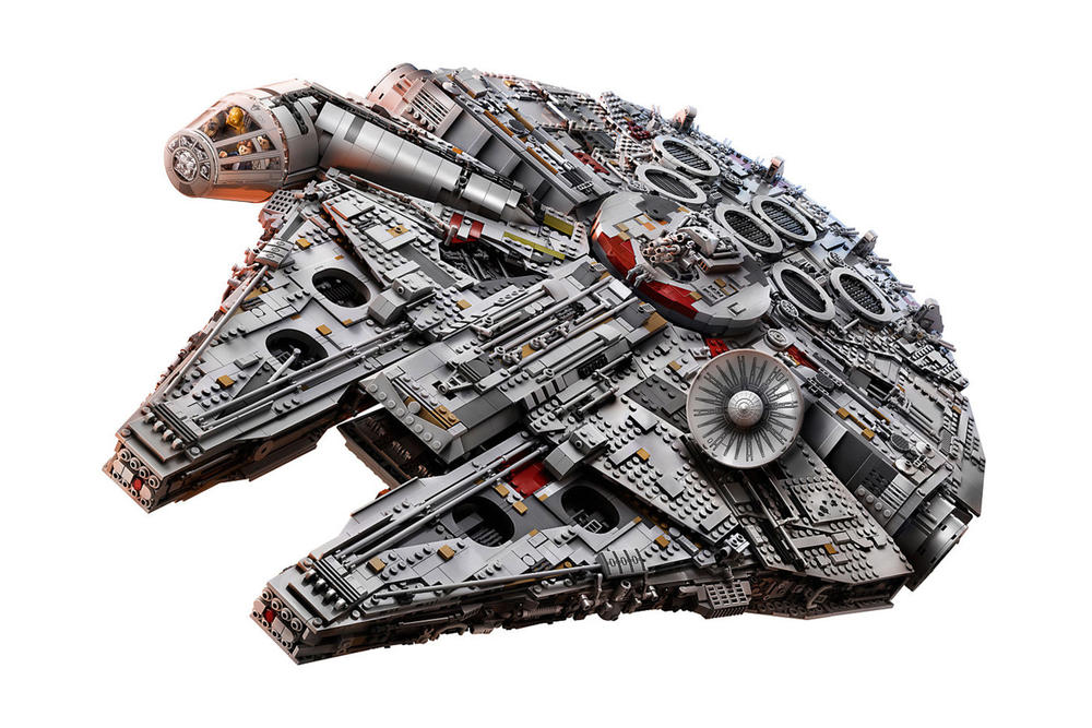Millennium Falcon LEGO Set Biggest Most Expensive Ever 7541 Pieces 800 USD Dollars BB8 Star Wars