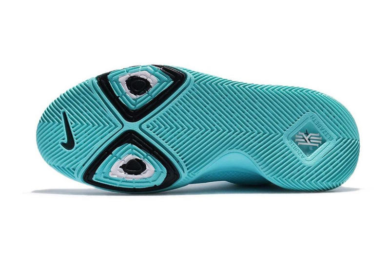 big sale a6134 425ce Nike Kyrie 3