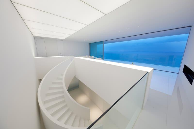 Seaside House in Kanagawa by Shinichi Ogawa Associates
