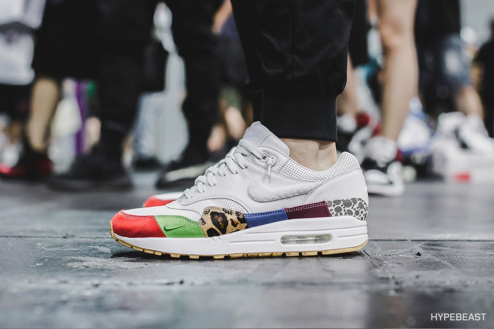 adidas Originals YEEZY Zebra