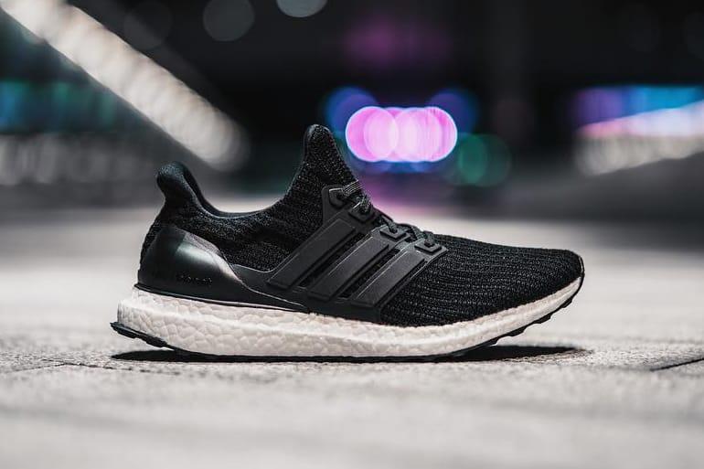 adidas ultra boost 4.0 all black