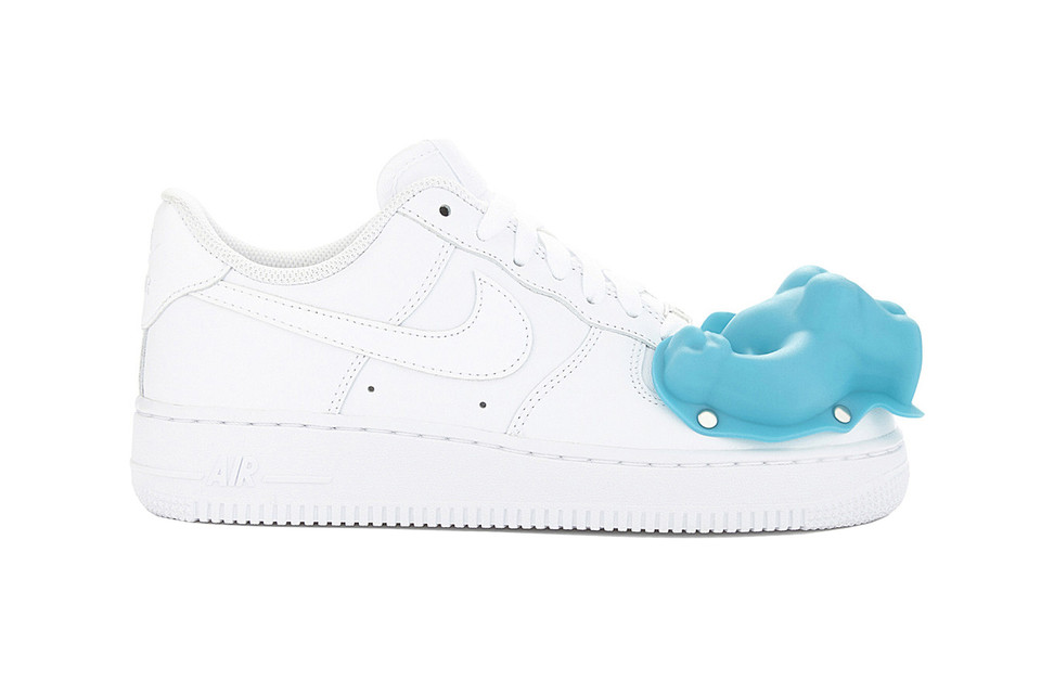 buy online 423d9 6b885 COMME des GARCONS x Nike Air Force 1 Closer Look | HYPEBEAST