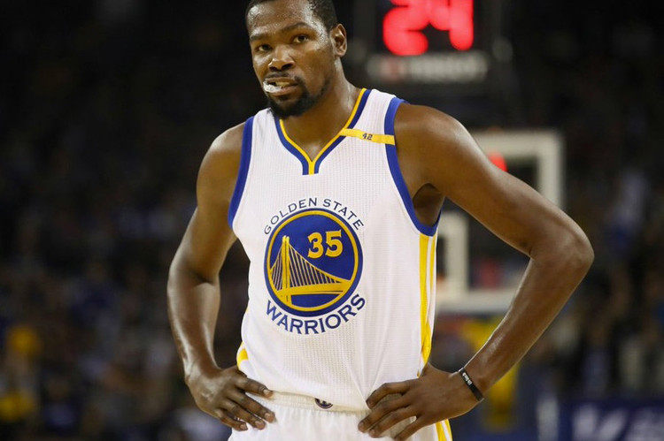 022fb7769075 Kevin Durant Caught Using Fake Account to Defend Himself on Twitter