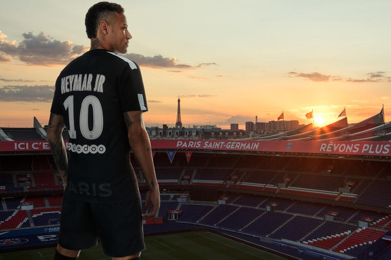buy online e1c2b 29af8 Neymar Unveils Nike's New PSG Third Kit | HYPEBEAST