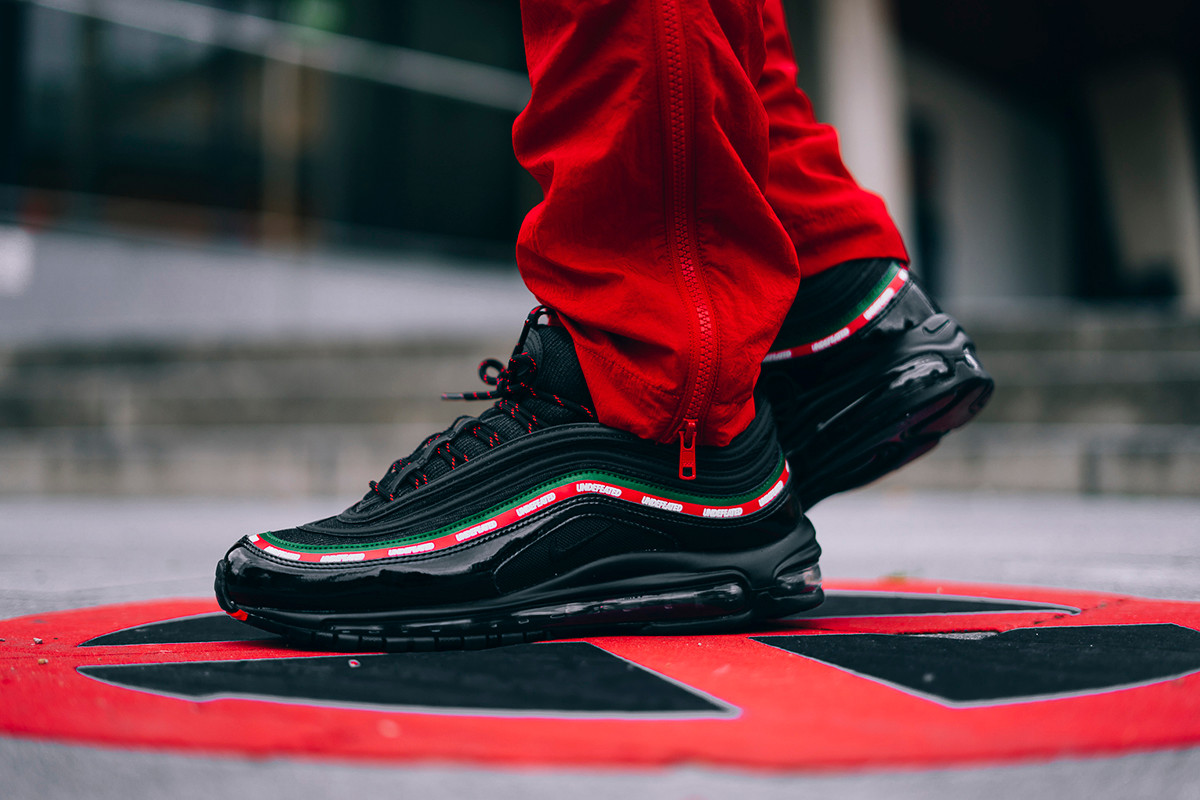 UNDEFEATED x Nike Air Max 97 Black On,Feet