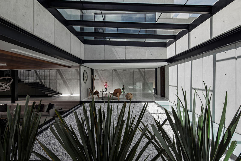 Rio House by Aarón Carrillo Díaz in Pachuca, Mexico