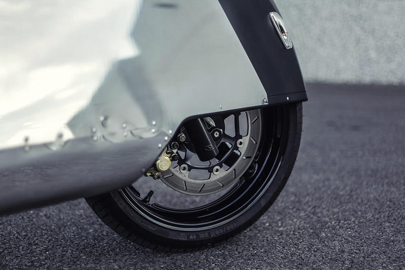 Vectrix VX-1 Maxi Scooter 'Hope' Motorcycle