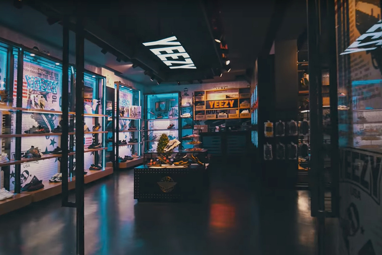Inside the Fake YEEZY Store in China