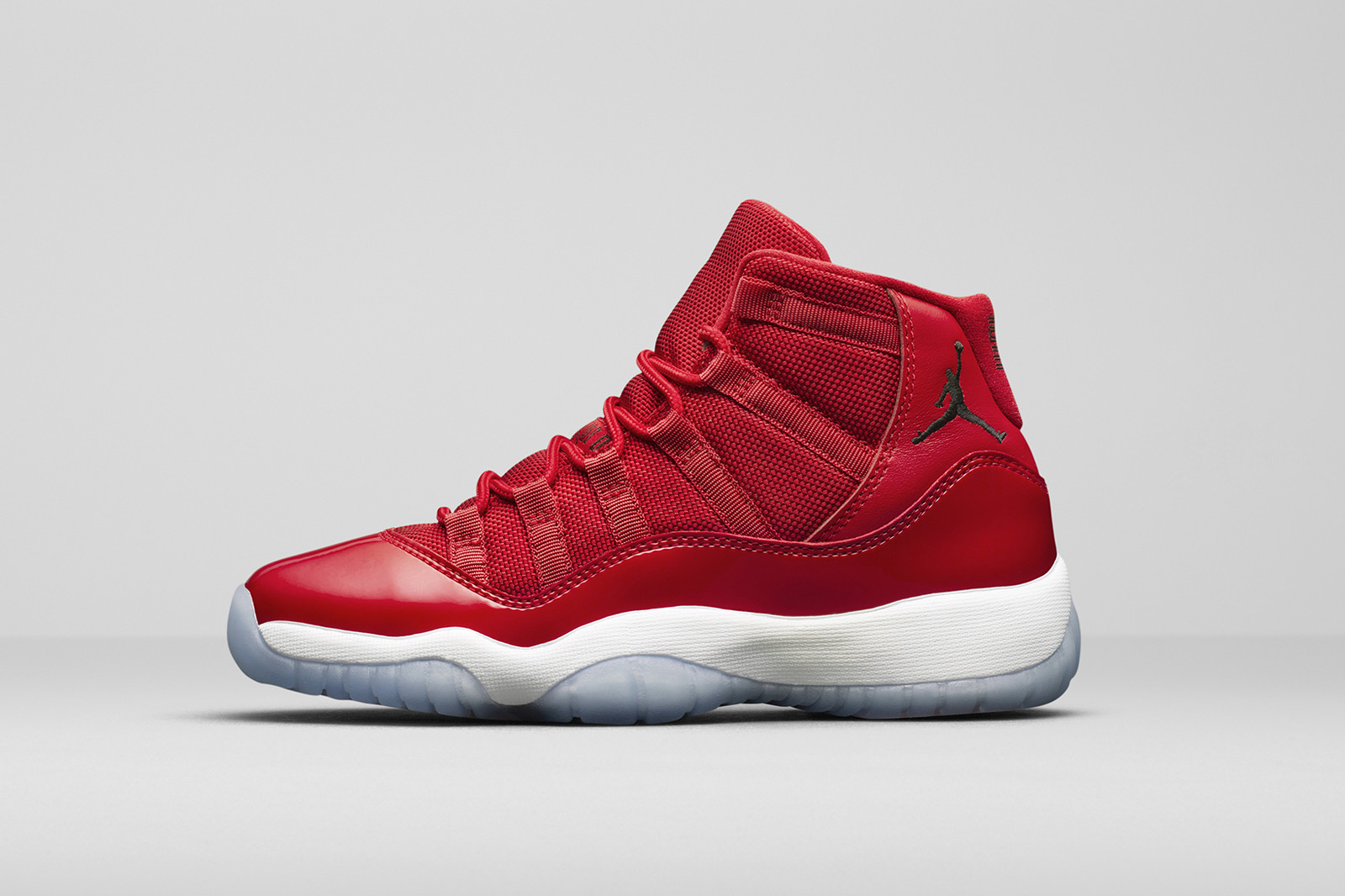 Jordan Brand 2017 Holiday Collection Air Jordan 11 32 Win Like Mike black red navy carolina blue unc university of north carolina white chicago bulls michael 23 ii xxxii 1 golden harvest grey trunner