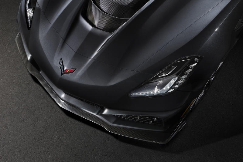 2019 Chevrolet Corvette ZR1 Cars Whips Chevy