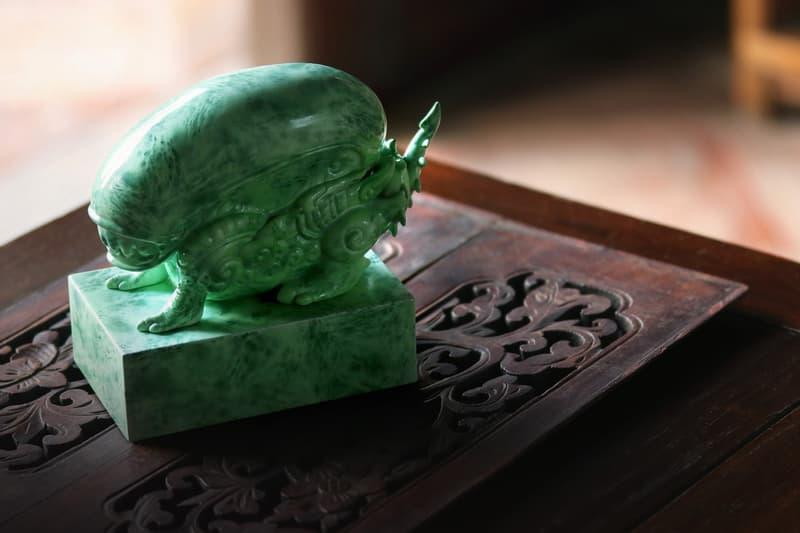 Alien & Predator Jade Vinyl Figures by Tik Ka