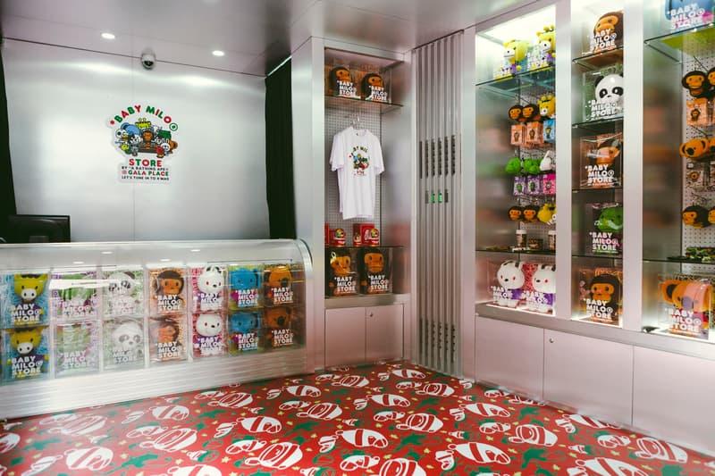 Gala Place BAPE Baby Milo Christmas Pop-Up Shop LIMITED STORE Mug Lip Balm DJ tote bag snow globe key ring camouflage Walkman 1 Folder ceramics