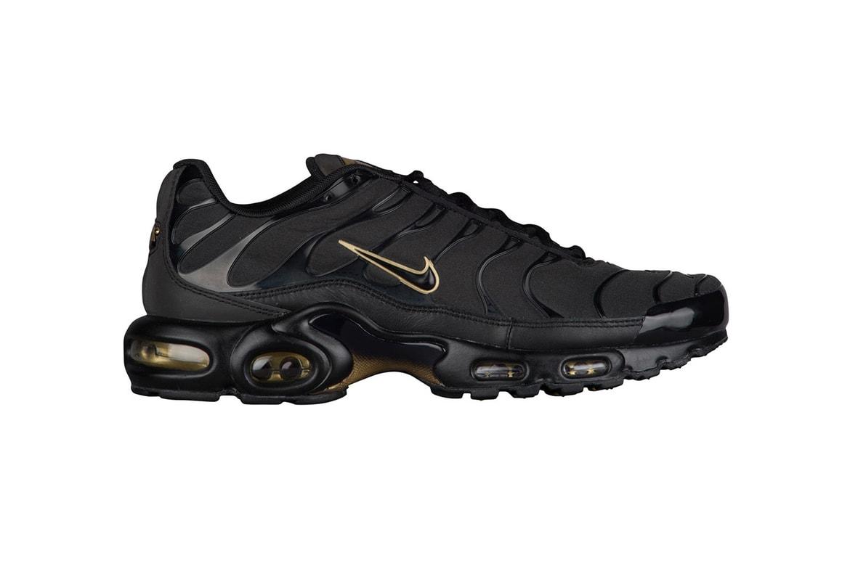 more photos 1688a 0050b Nike Air Max Plus in Black & Metallic Gold | HYPEBEAST