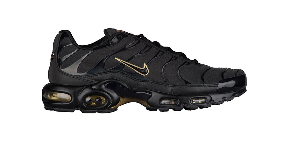 release date: 18f99 b398e Nike Air Max Plus in Black   Metallic Gold   HYPEBEAST