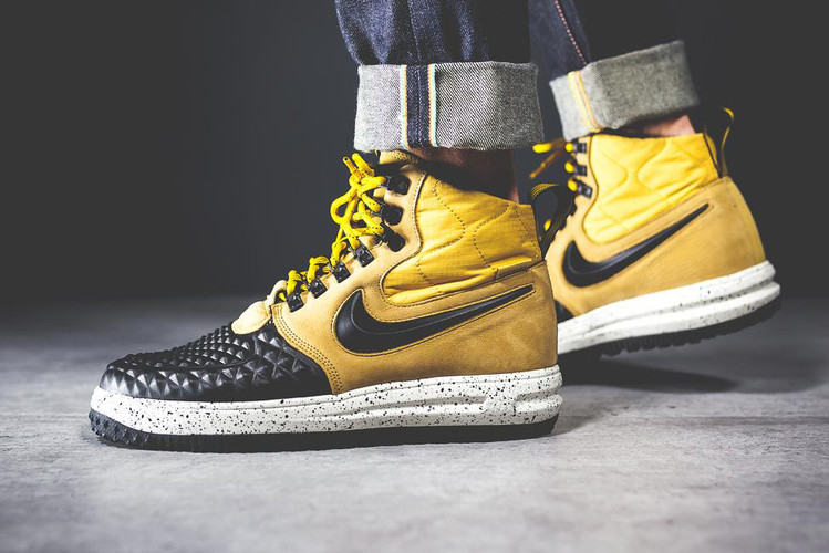 ff26f78fada0 Nike Drapes the Lunar Force 1 Duckboot  17 in